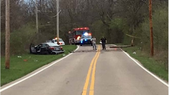 2 injured in Jefferson Township crash, 1 thrown from car