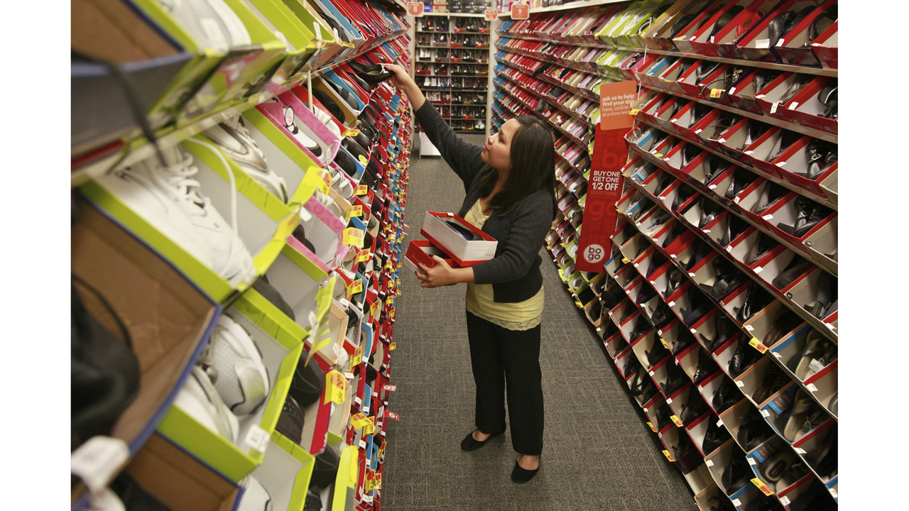fa2469e53 Payless Shoesource Files For Bankruptcy Plans To Close 400 S