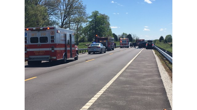 3 people sent to hospital after crash in Greene County