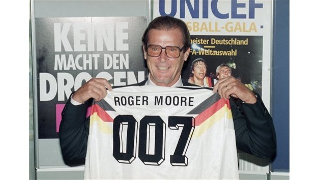 Germany Munich Roger Moore_246210