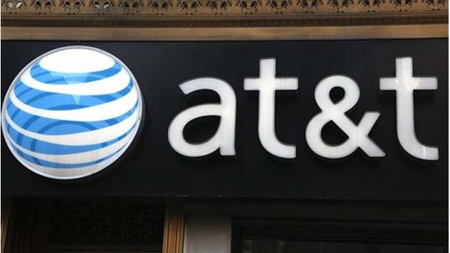 AT&T promises $1,000 bonus for employees after Pres. Trump signs tax bill