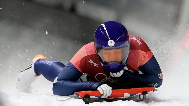 Germany's Jacqueline Loelling leads, Great Britain's Lizzy Yarnold in position to make history
