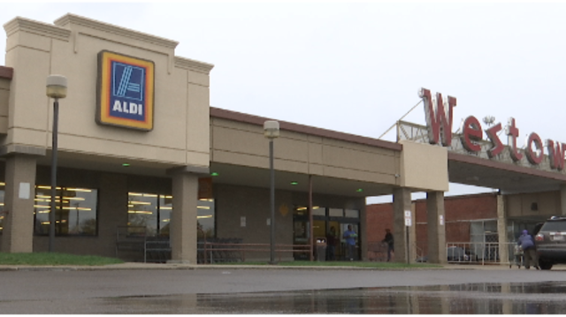 West Dayton Aldi closes leaving residents with no access to fresh food