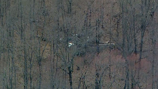 2 dead after plane crashes in Coshocton County